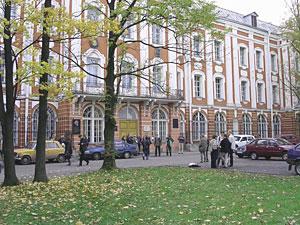 Ректоры МГУ и СПбГУ будут назначаться и освобождаются приказом президента РФ.