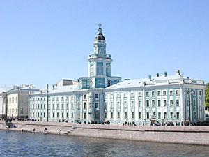 В 1714 году Петр I учредил в Петербурге Кунсткамеру, старейший музей России.