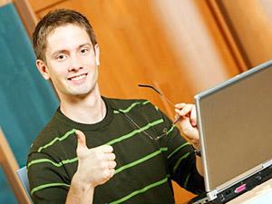 Онлайн-семинар - разновидность веб-конференции, проведение онлайн-встреч или презентаций через Интернет в режиме реального времени.